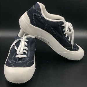 LA Gear Tennis Shoes Size 10 Blue Suede White 1996